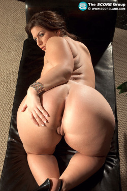 candaulisme avec cougar sexy et coquine 150