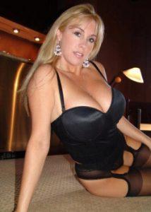 chaude cougar sexe en photo 151