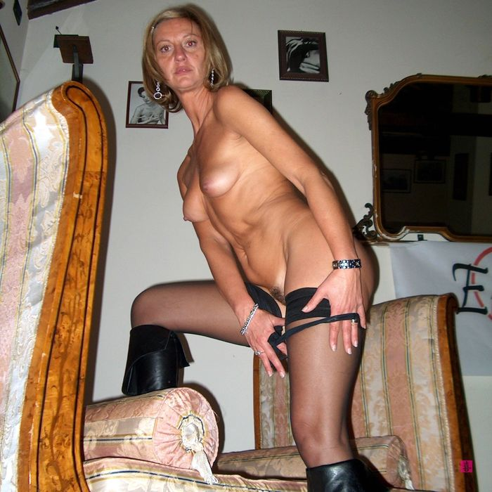 mes seins et mon cul de cougar pour jeune mec 125
