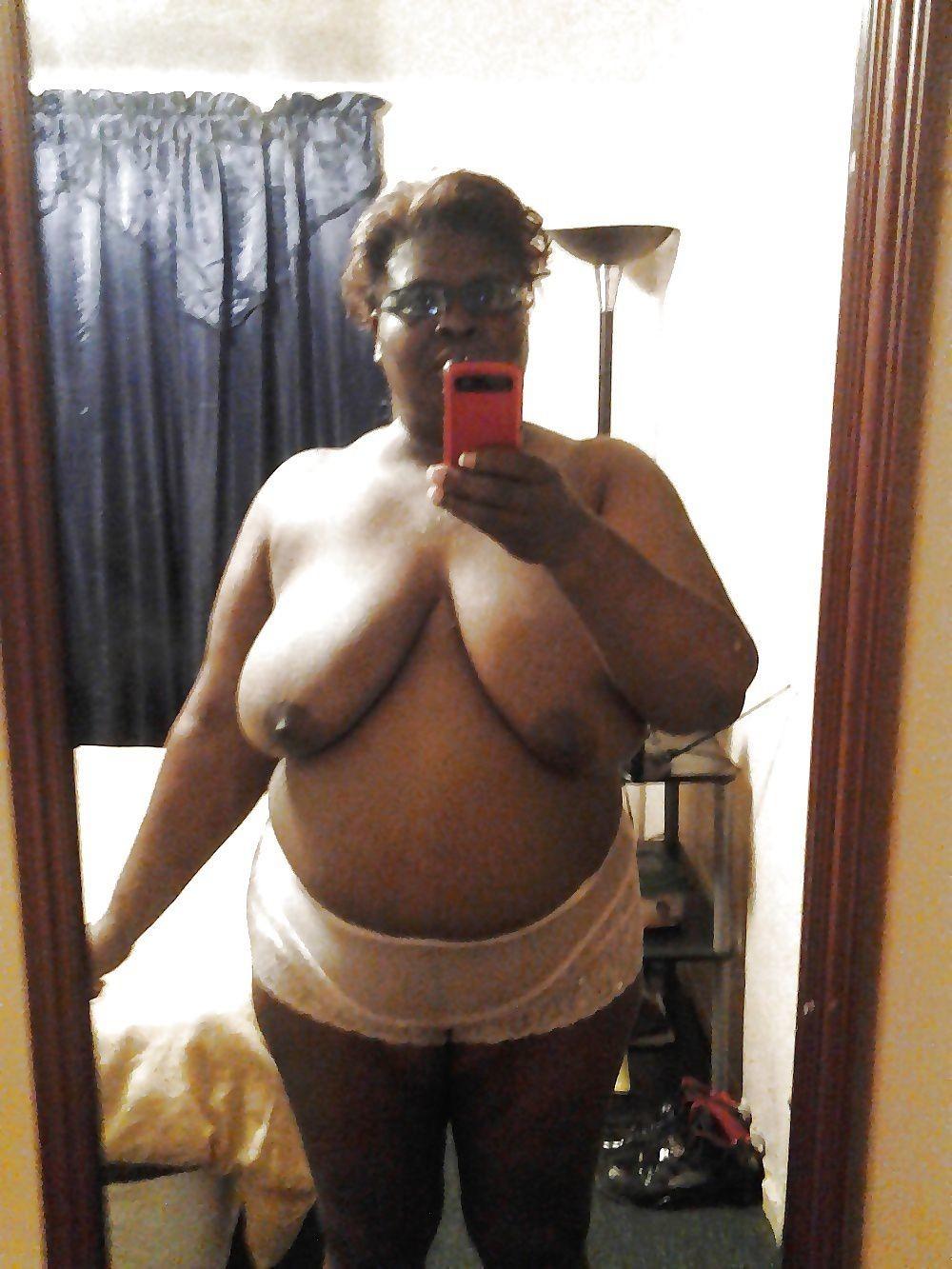 amatrice du 25 montre ses gros seins lourds
